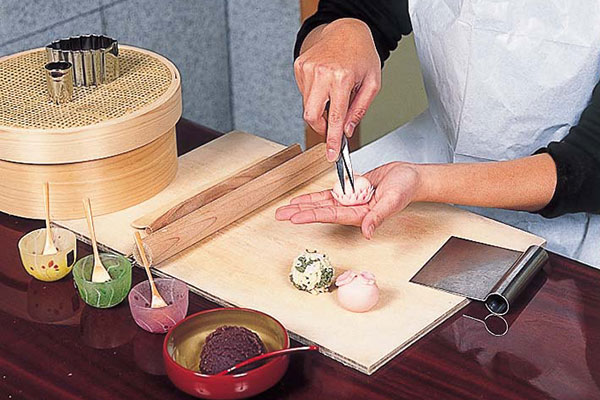 京菓子 ねりきり細工体験(4ヶづくり)