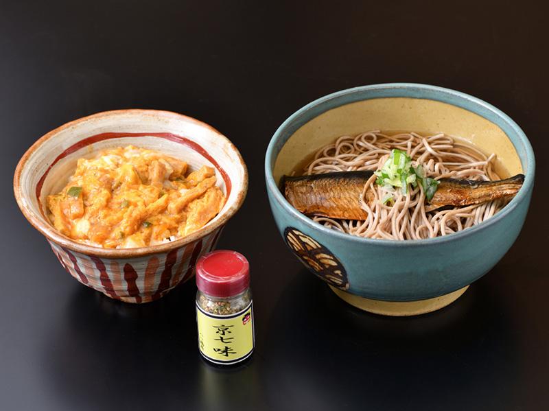 京都名代のご昼食と生八つ橋づくり体験